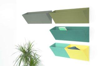 Leaning wall system by Diane Steverlynck for Objekten