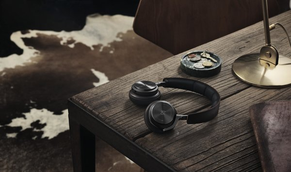 With the BeoPlay H8 Headphones, Bang & Olufsen offers a premium wireless listening experience with active noise cancelation. The innovative headphones utilize gentle gestures to control the headphones, including short presses to play or pause music and answer or end a phone call. This makes it simple and intuitive to control the headphones, without needing to access your mobile phone or other device. The ear pads are comprised of lambskin wrapped memory foam, offering a comfortable wear that helps prevent sound leakage.