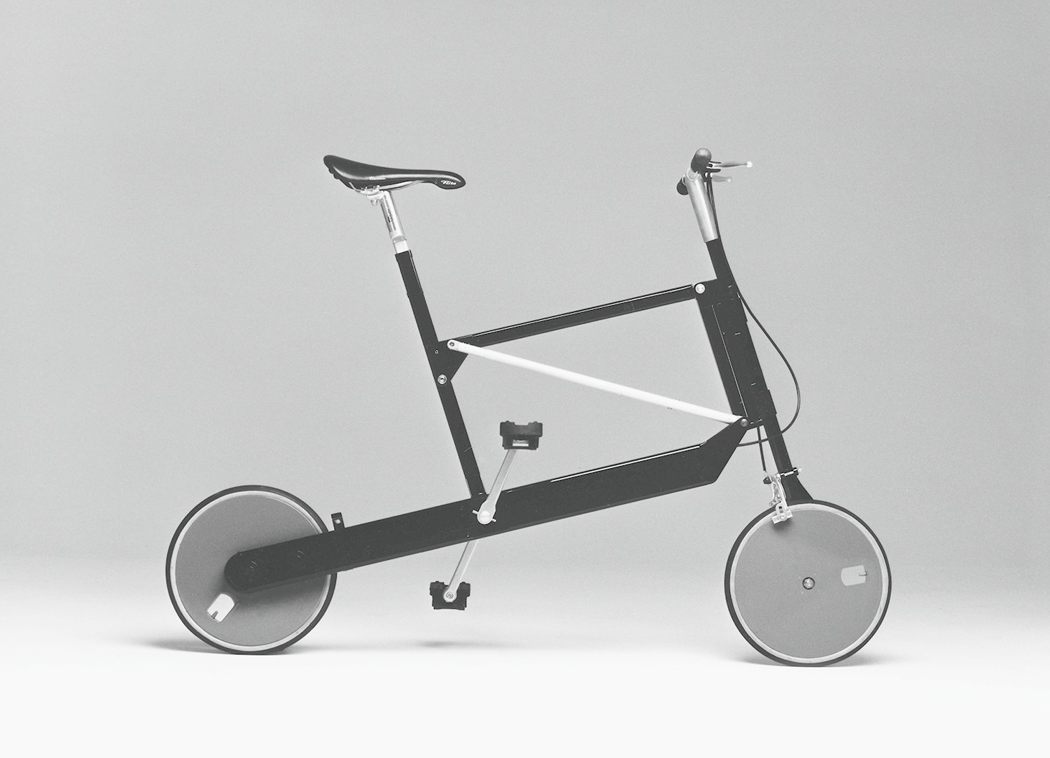 Zoombike, folding bicycle, Elettromontaggi, 2000.  Bicycle, Bicycle from Only Richard Sapper Could Turn the Hairdryer Into a Masterpiece