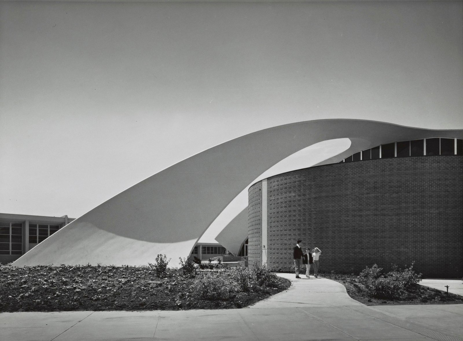 Photo by Julius Shulman ©J. Paul Getty Trust, Getty Research Institute, Los Angeles (2004.R.10)  Photo 2 of 2 in Not Your Average High School Auditorium