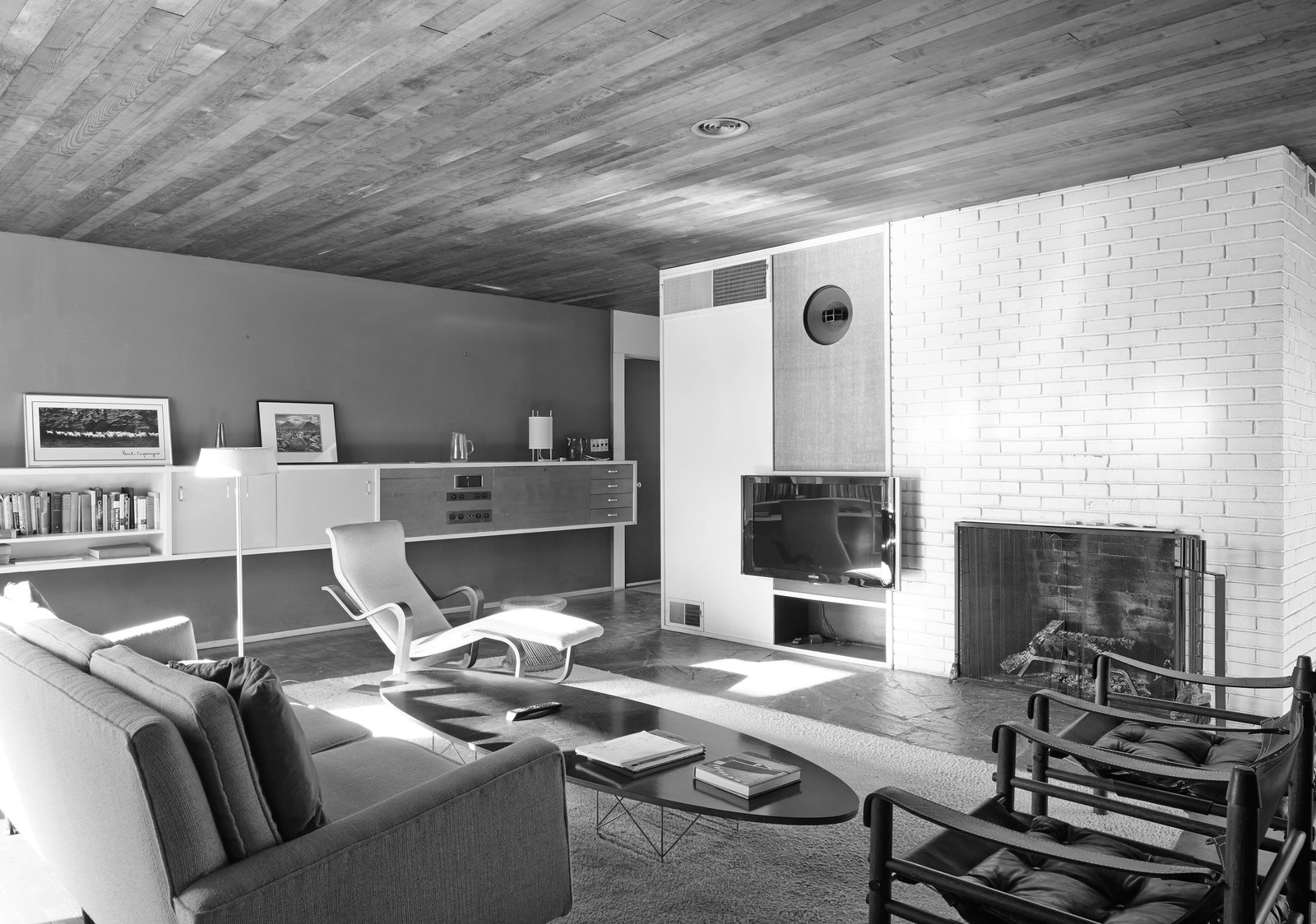 Homeowners Robert Barnes and Karen Bisset decided to stick with Breuer's original interior layout.  Photo 12 of 15 in Kansas City Royal