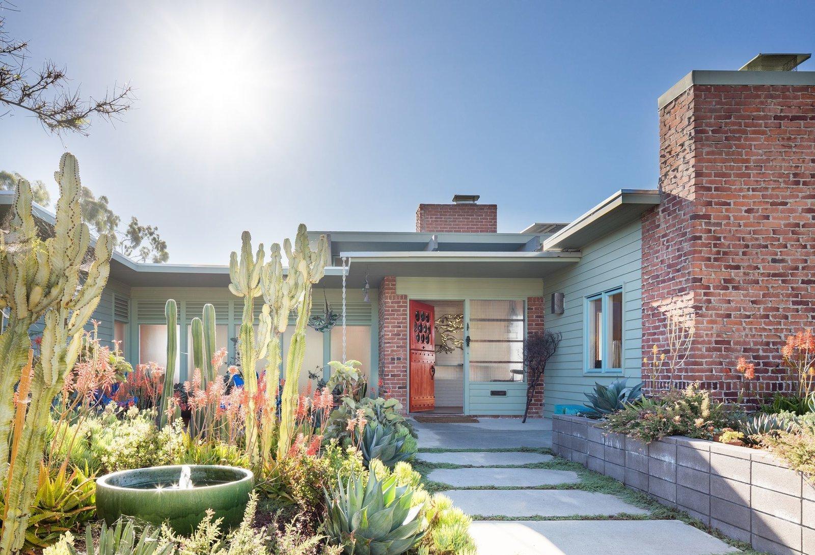 Via Curbed, photo by Darren Bradley  Photo 8 of 11 in This Week's 10 Best Houses