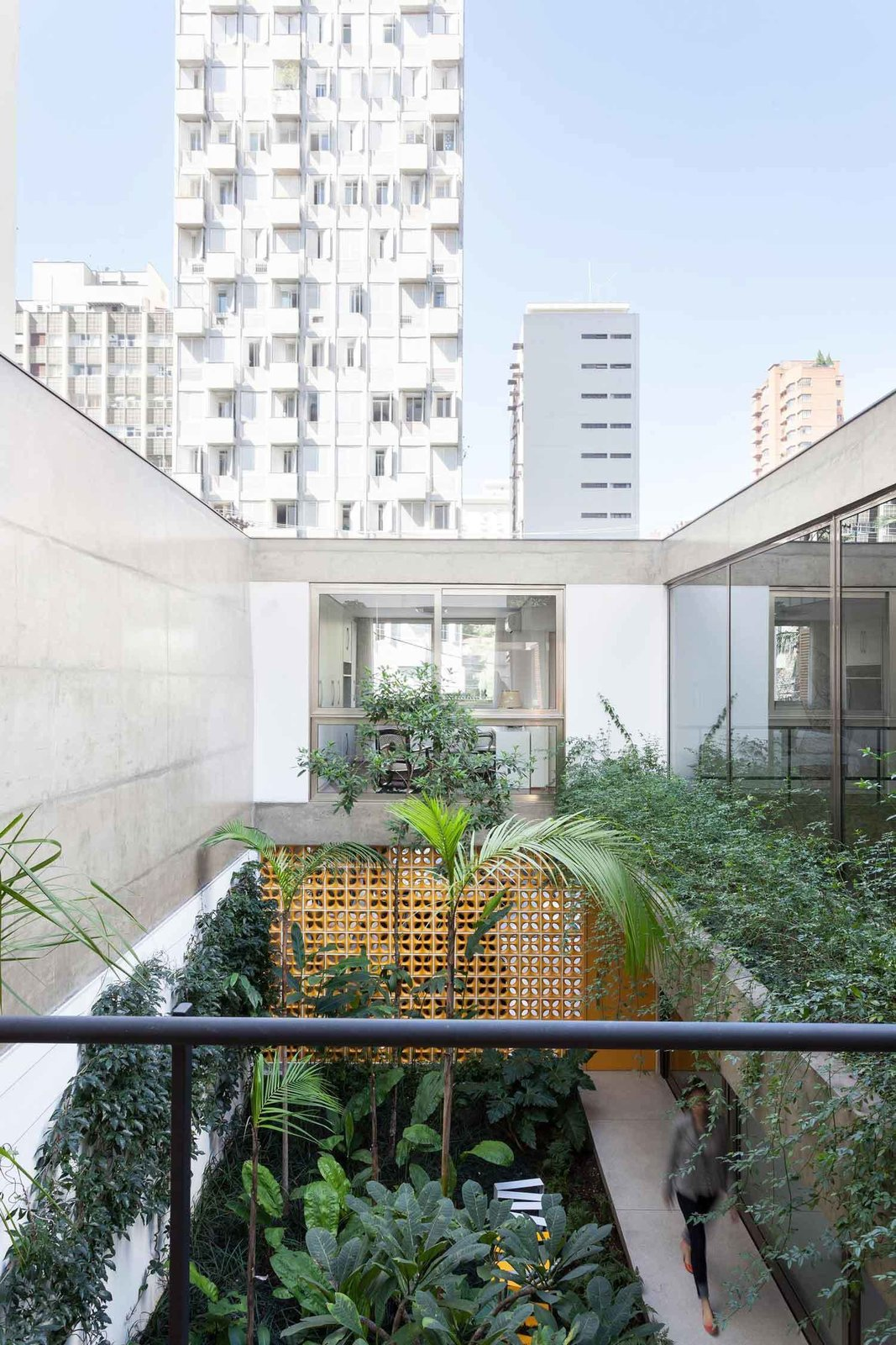 Outdoor and Garden Jardins House by CR2 Arquitetura  Photo 1 of 10 in How to Bring Light Into Dark Spaces