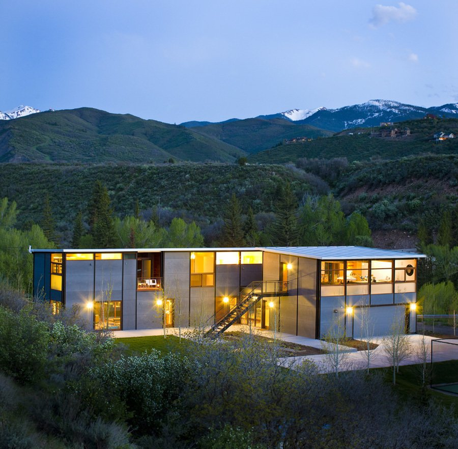 Exterior and Prefab Building Type Project Name: Aspen Flatpak  Photo 16 of 21 in 20 Modern Prefab Companies Perfect for Mountain Living