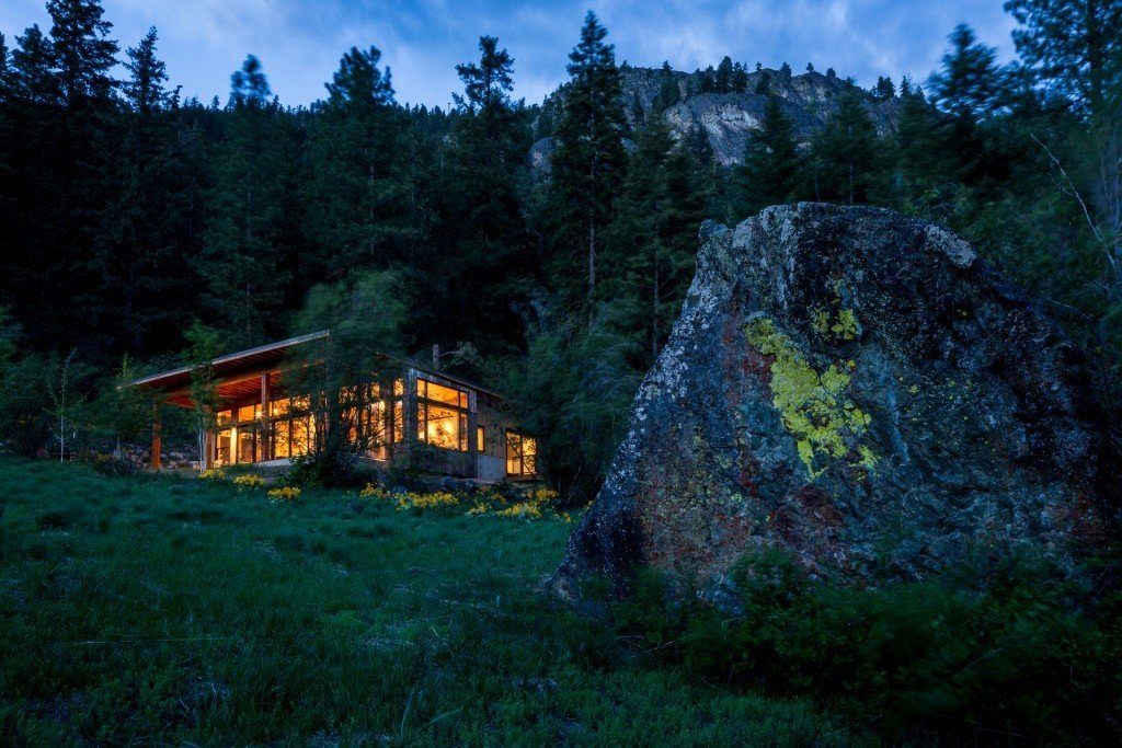 Exterior and Prefab Building Type Project Name: Big Rock House  Photo 16 of 20 in 19 Modern Prefab Companies Perfect for Mountain Living