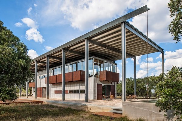 Dietert Ranch by Thotenberry Wellen Architects is located in Midland, Texas and exudes a rustic feel despite its industrial materials.