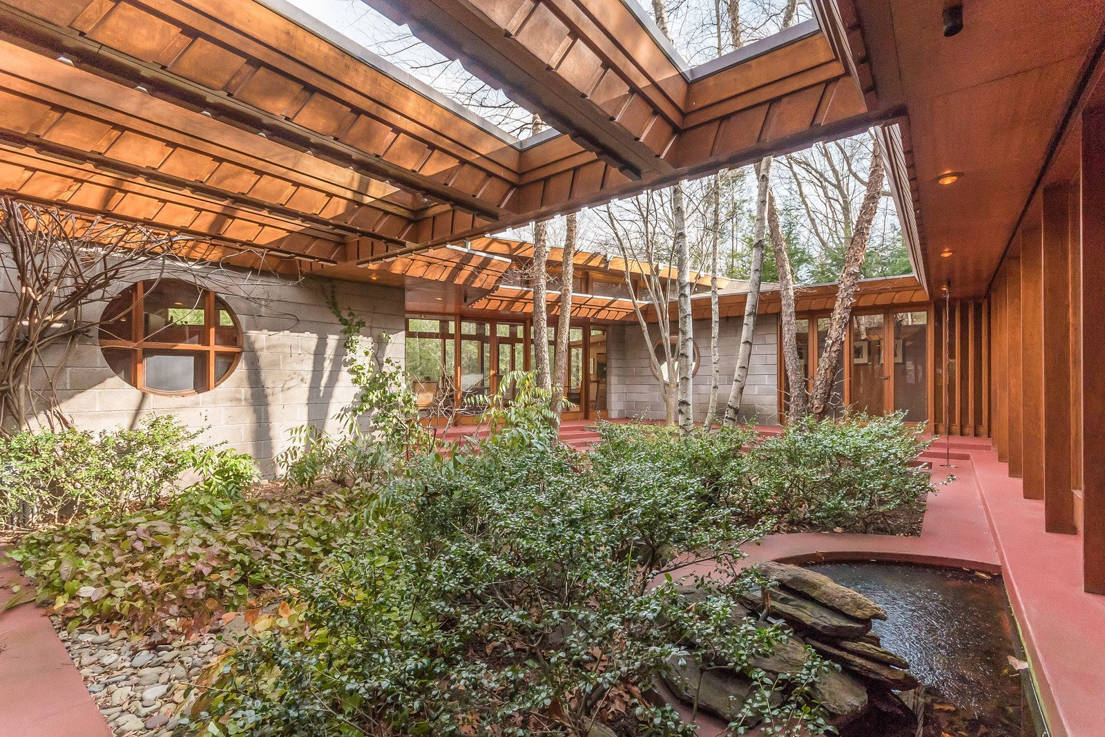 Since Wright was consistently focused on nature, he built an internal courtyard that creates a peaceful retreat in the middle of the structure.  Tirranna