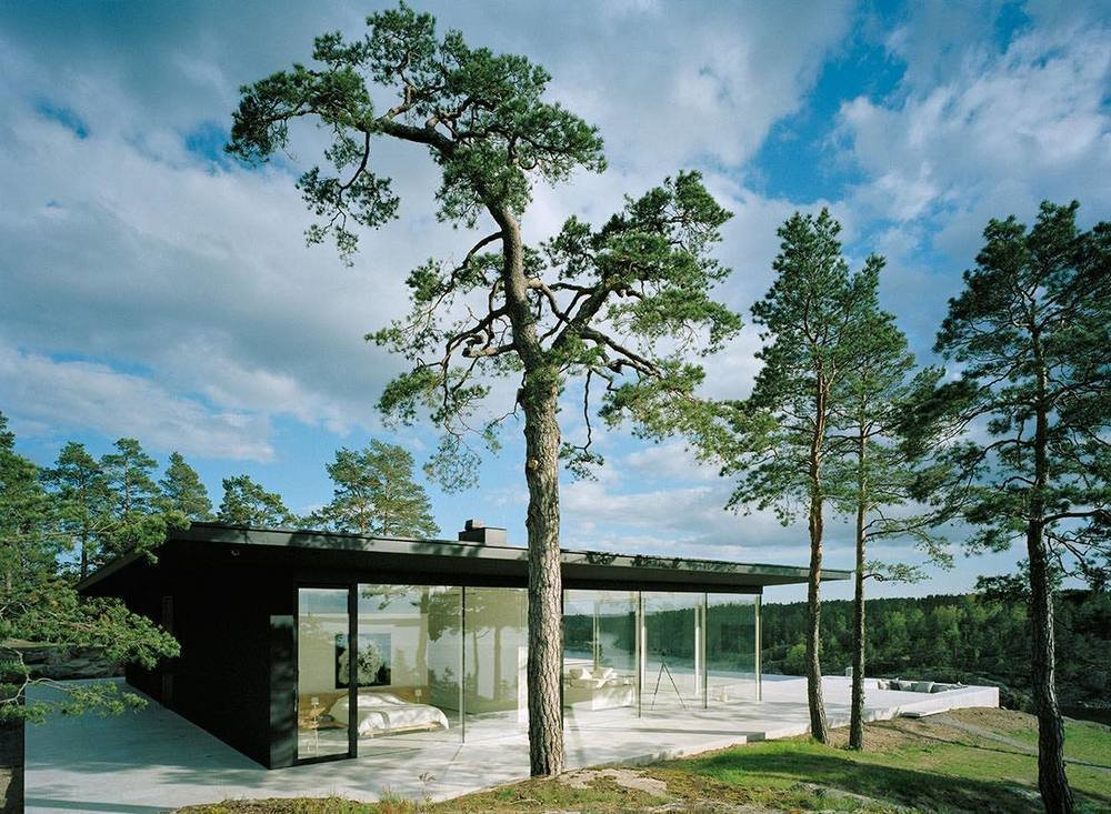 10 Modern Homes That Made a Star Appearance in Films