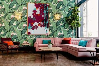 This Dwell Hotel in Chattanooga, Tennessee takes you back to the late 1950s with mod and bohemian elements in rooms with different design concepts that are all pretty groovy.