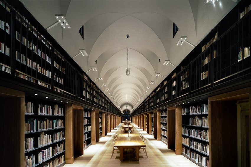 Nuova Manica Lunga, 2009  The restoration of  a 15th-century  library in Venice, Italy, included accommo-dation for more  than 100,000 books.  Read from Michele De Lucchi
