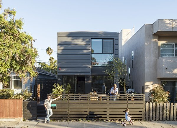 Designed to follow universal design principles, this Santa Monica prefab home by Connect Homes delivers modern and environmentally friendly design on a budget.