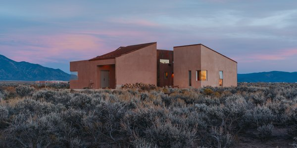 - Taos, New Mexico Dwell Magazine : July / August 2017
