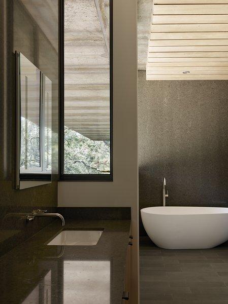 Best 2 Modern Bathroom Concrete Walls Design Photos And Ideas Dwell
