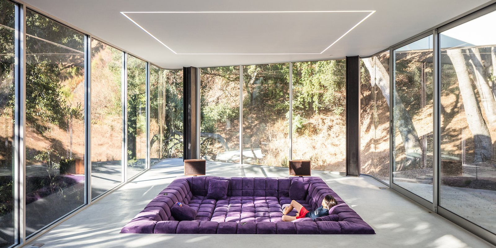Living Room, Sofa, and Concrete Floor - Cupertino, California Dwell Magazine : September / October 2017  Best Photos from The Conversation Pit Makes a Much-Appreciated Comeback at an Ultramodern Home in Cupertino