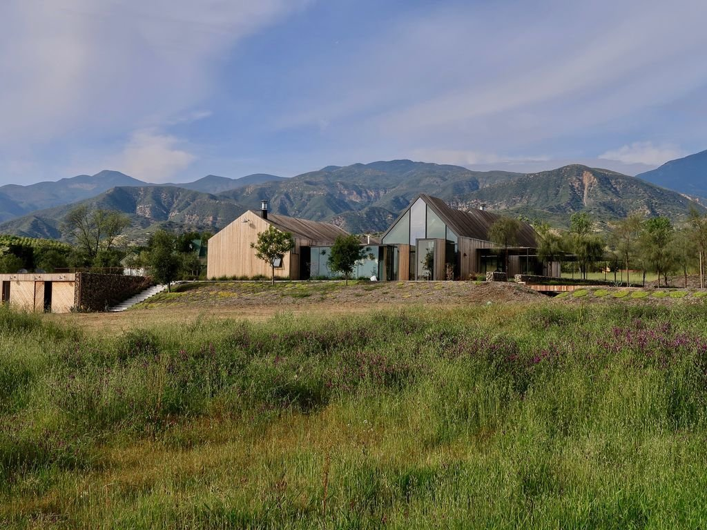 Photo Courtesy of HomeAway.  Photo 1 of 8 in 7 Modern Farmhouses to Rent For the Most Picturesque Vacation Ever