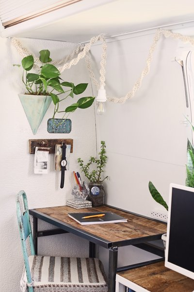 The Interior Decor Is Scandinavian Inspired, While Also Incorporating A 70s  Feel.