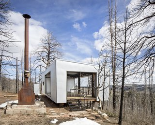Architect Eric Logan took minimalism to the max when he rebuilt his family cabin on a Wyoming mountainside.