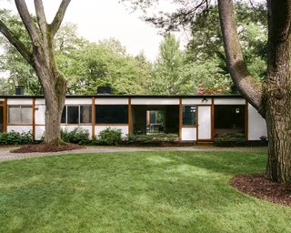 The Luberas didn't use a general contractor or architect, but they did enlist the counsel of legendary Detroit designer Ruth Adler Schnee, who in 1964 helped Girard plan  the color scheme for a streetscape  in Columbus, Indiana.  Window alignments create long views through the house and atrium.
