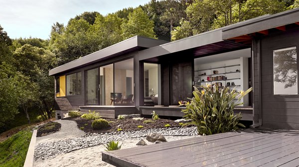 An Addition to a 1955 Modern Home Maximizes Views of the San Francisco Bay