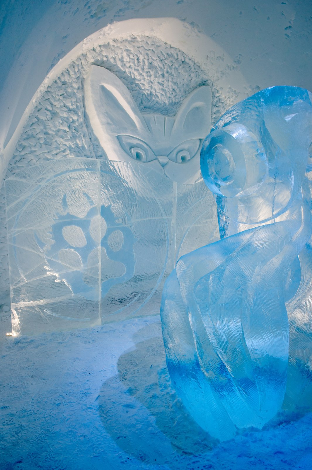 Icehotel Sweden cat ice suite