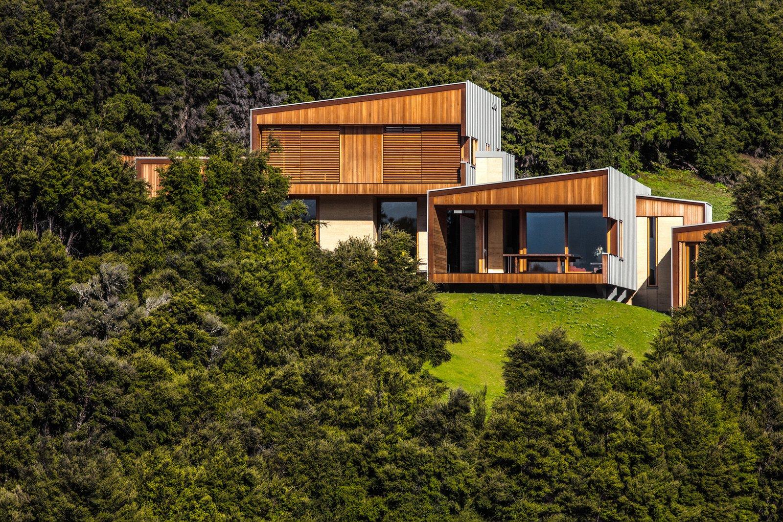 Kanuka Valley House landscape view