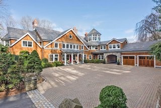 Bruce Willis and Emma Heming List Their Sprawling New York Estate For $13M
