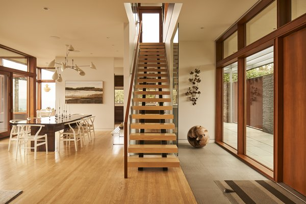 Best 60 Modern Staircase Wood Railing Design Photos And
