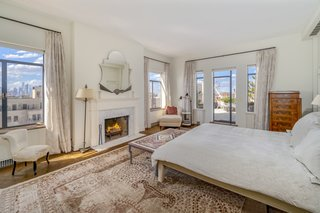 In total, the penthouse has four bedrooms, including a private master suite which sits on the building's top level. The apartment also consists of three bathrooms, as well as a powder room.