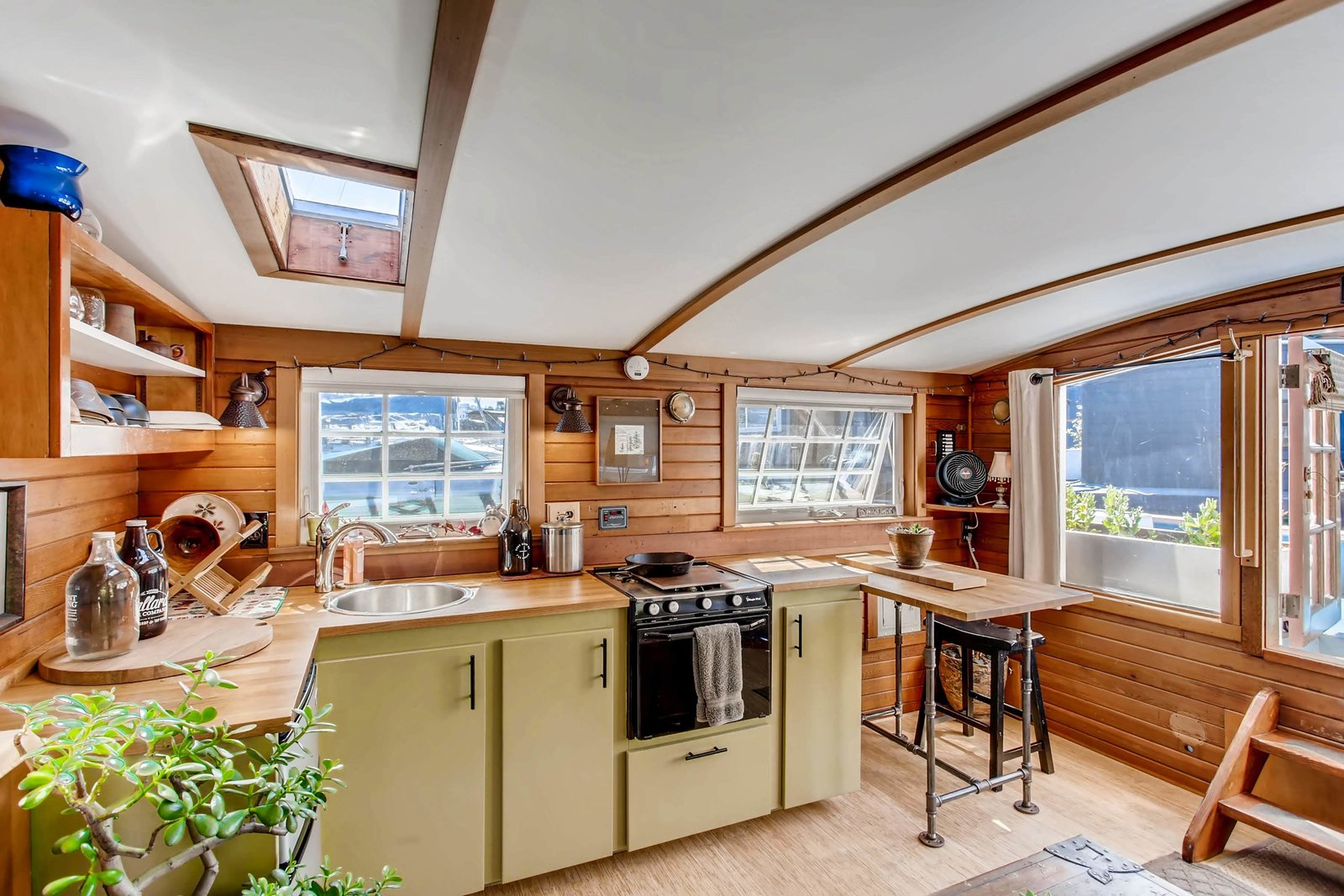 Orca houseboat interior