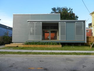 URBANbuild 7, clad in fiber-cement boards, is a Tulane School of Architecture student project.