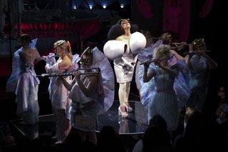 The show features Björk's very own Icelandic seven-piece flute ensemble, Viibra.