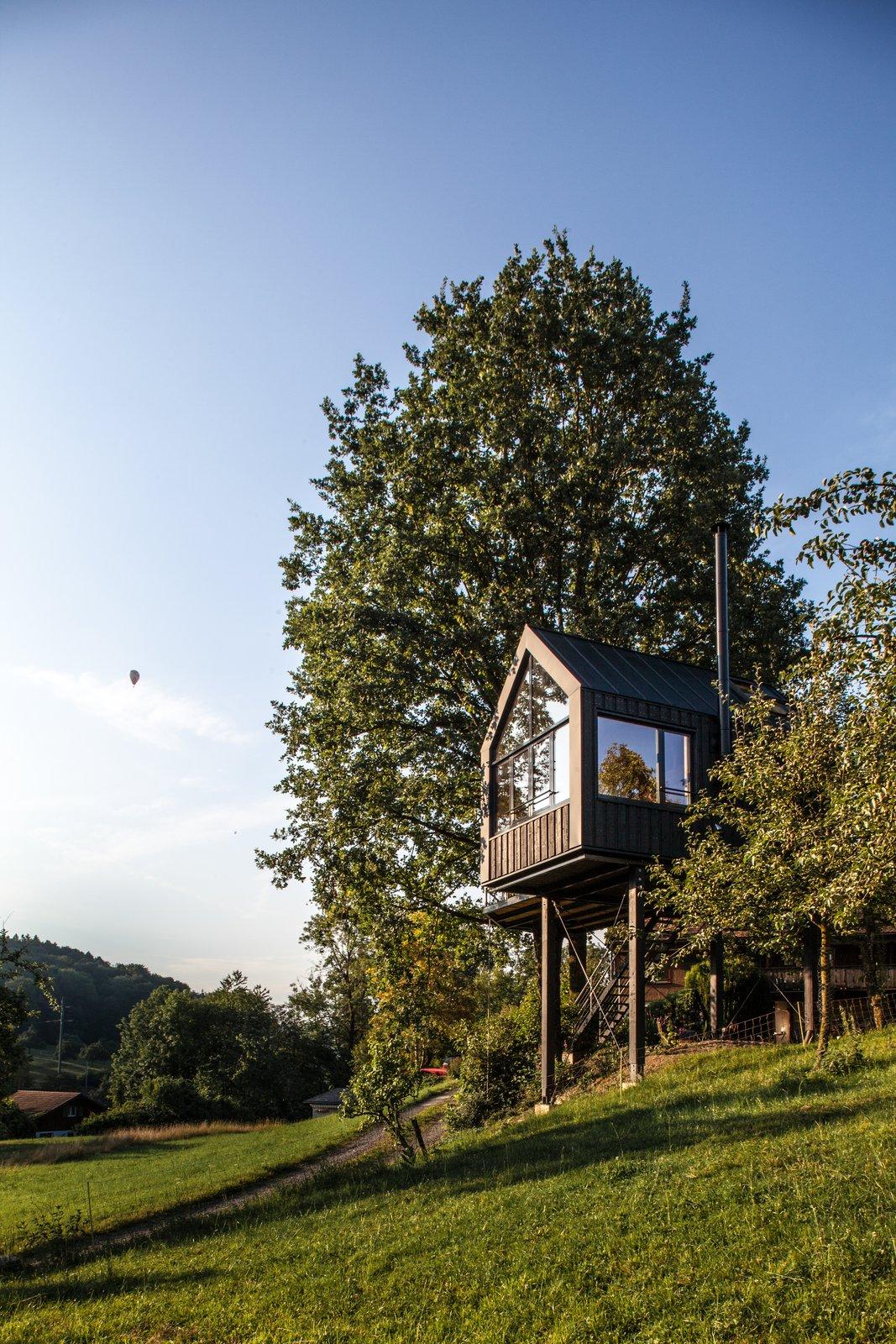 Baumhaus Halden prefab tree house