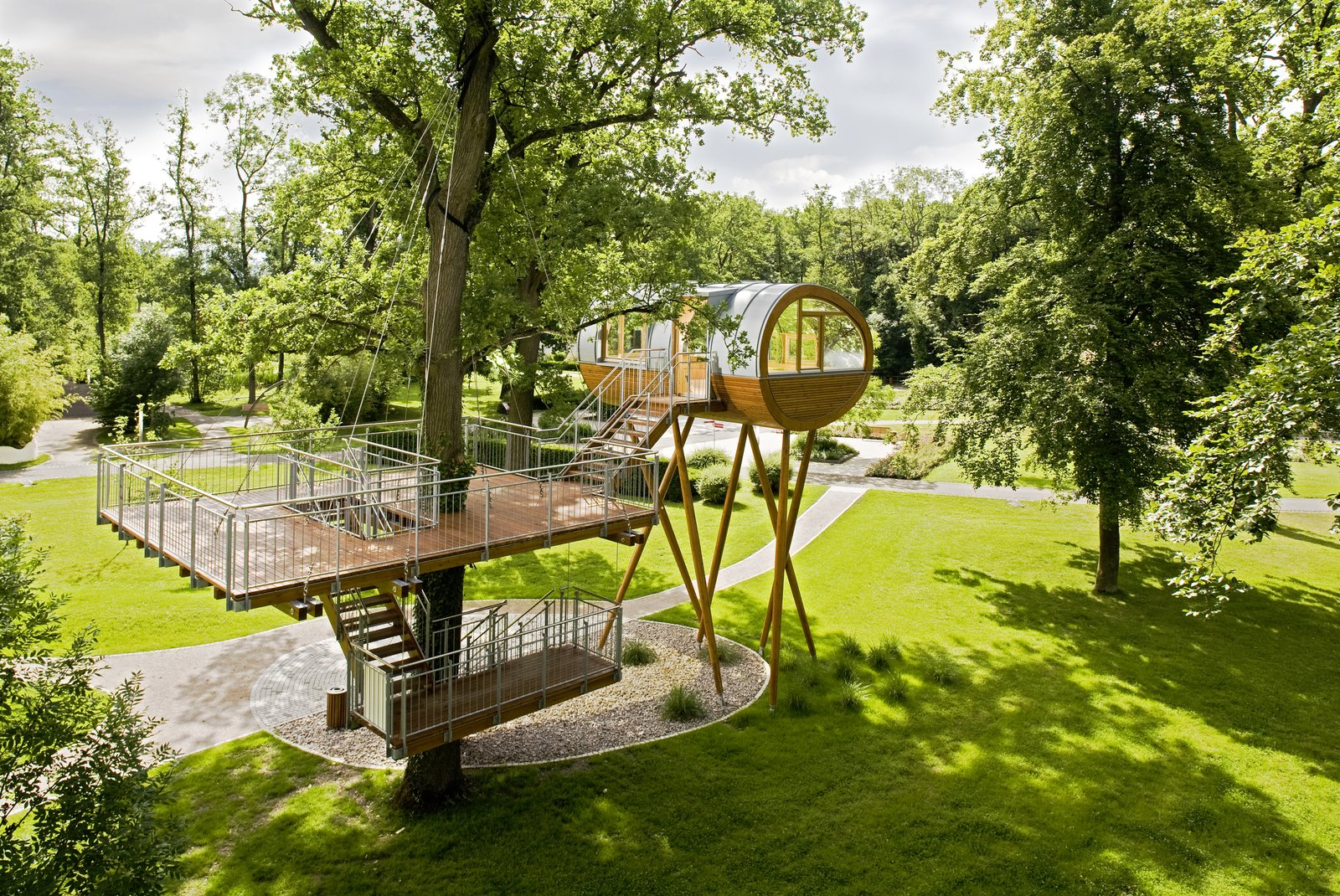 World of Living Auswahl tree house