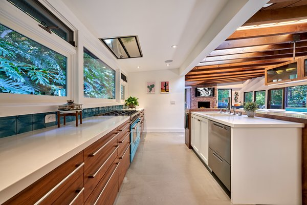 Now Equipped With Modern Amenities, The Light Filled Kitchen Facilitates  Easy Entertaining.