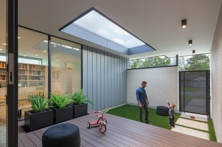 This Architect's Houston Home Promotes Play With a Clever Entry Courtyard