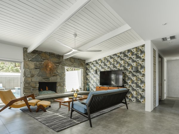 Having recently been treated to a thoughtful renovation, the reimagined 1961 midcentury offers residents and guests sophisticated balance, as well as a distinct modern allure.