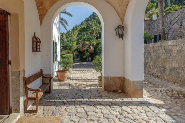Despite the estate's secluded location in the heart of the Serra de Tramuntana mountains, the international airport of Palma is just a short drive away.