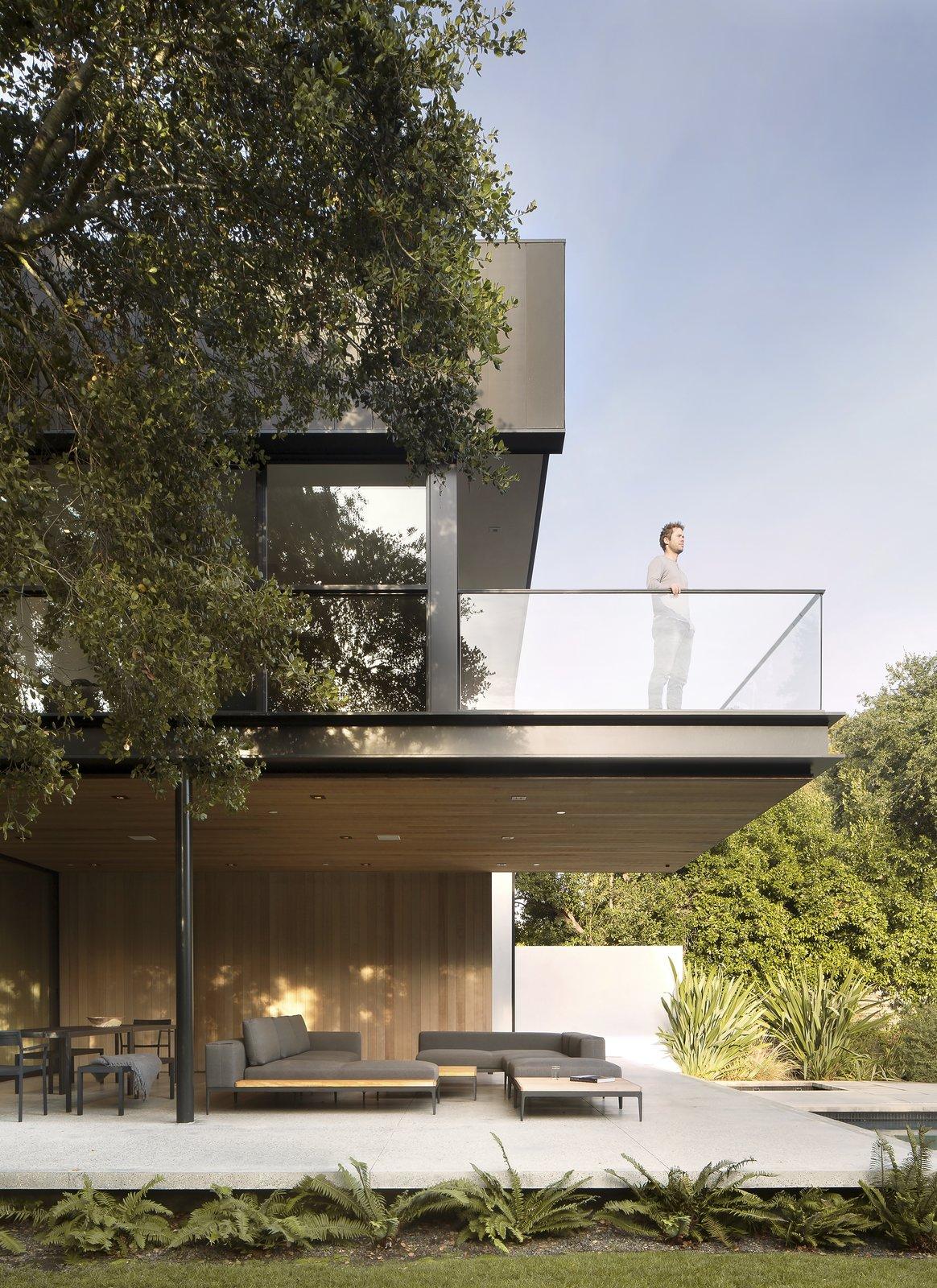 Tree House by Aidlin Darling Design balcony