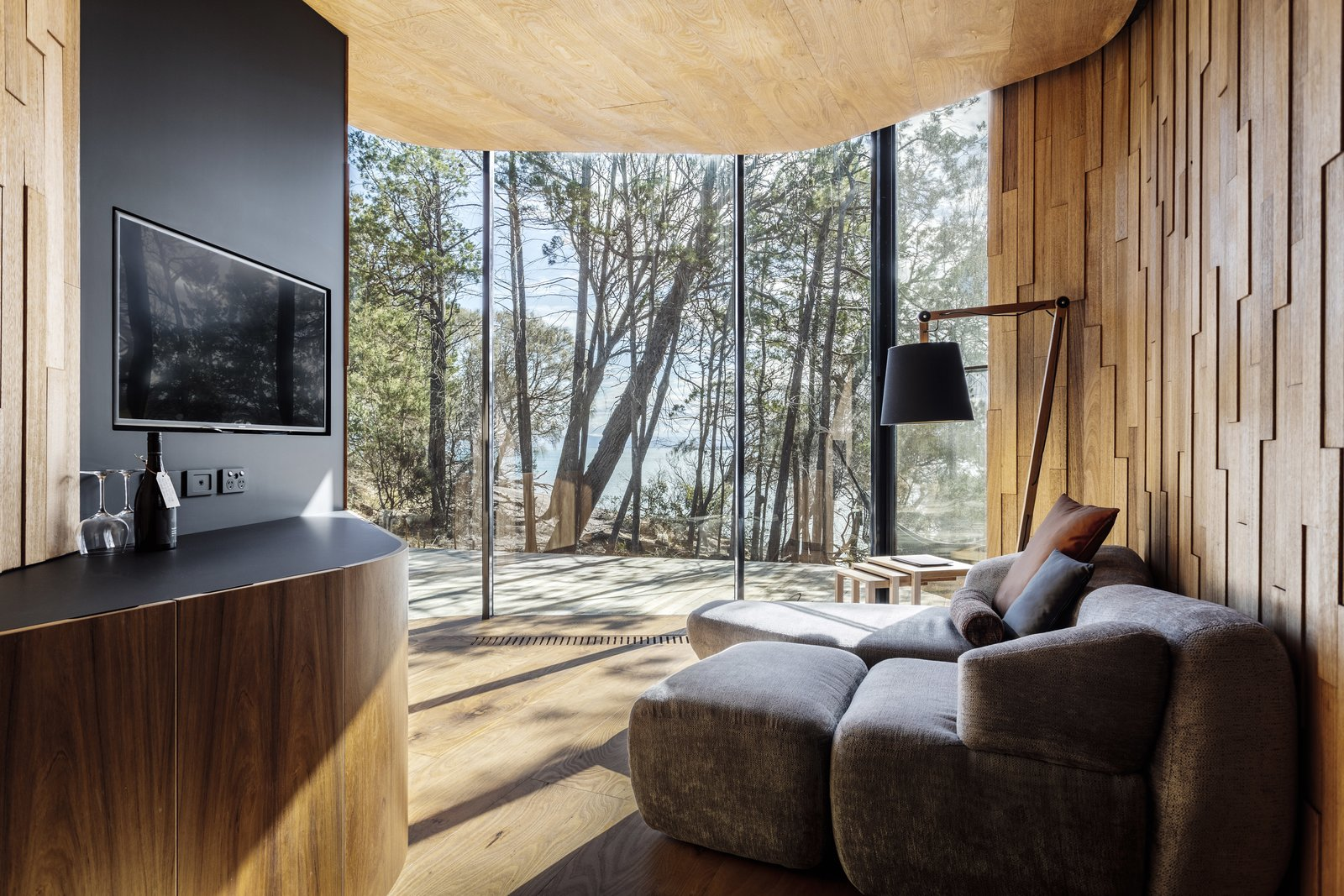 These Tasmanian Cabins Mimic the Curves of the Nearby Coastline