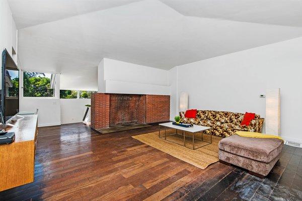 Best 60+ Modern Living Room Dark Hardwood Floors Design ...