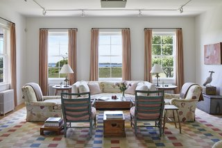 Caroline Kennedy also had portions of the interior updated during the renovation, careful to retain some semblance of the original floral motif completed by English interior decorator Georgina Fairholme.