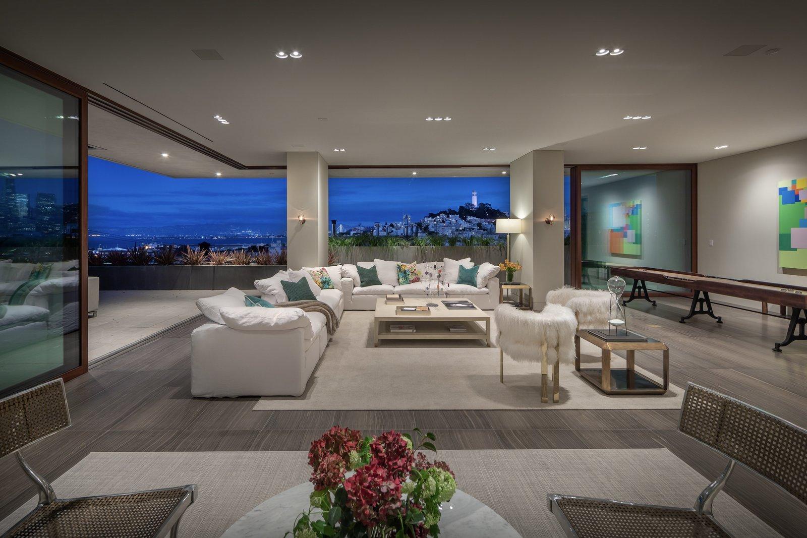 950 Lombard Street San Francisco living room
