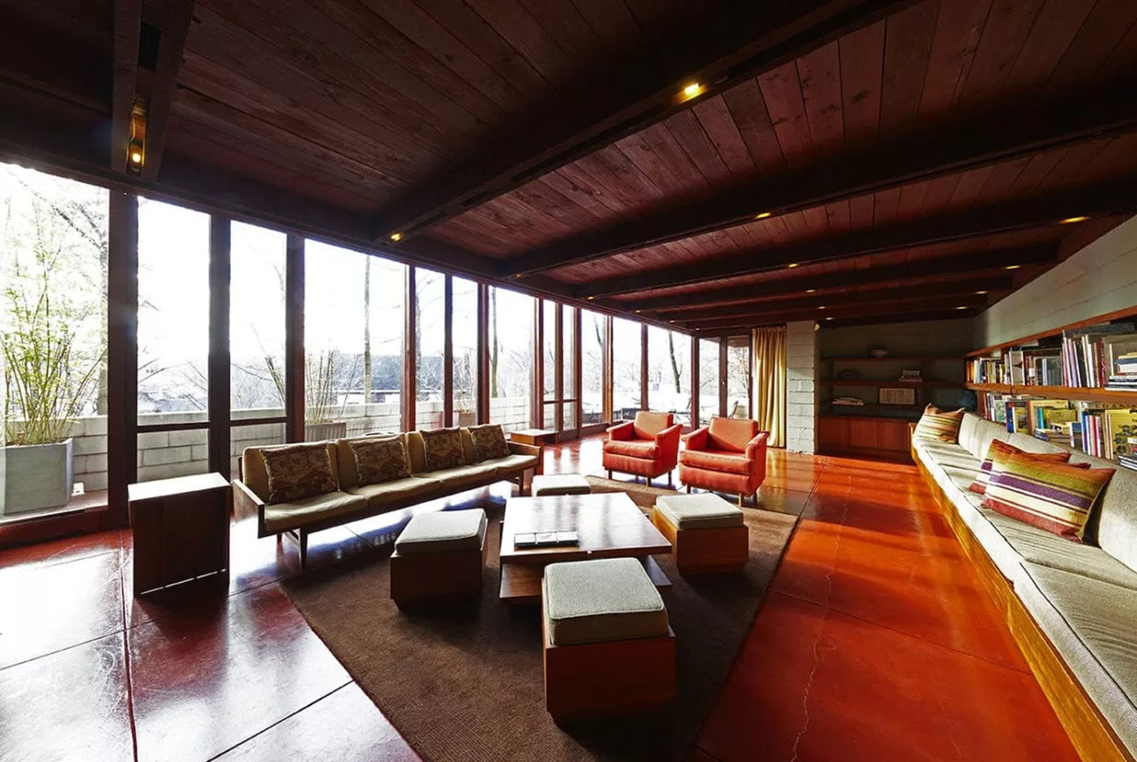 A Frank Lloyd Wright Home Catches Fire, Suffering $100K in Damages