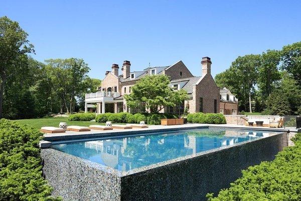 Tom Brady and Gisele Bündchen List Their Boston Estate For $39.5M