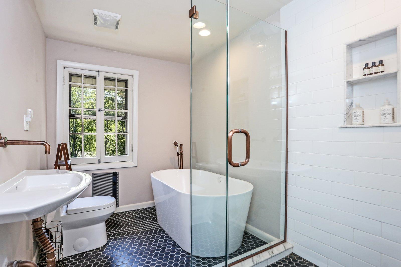 Willow House Putnam New York bathroom