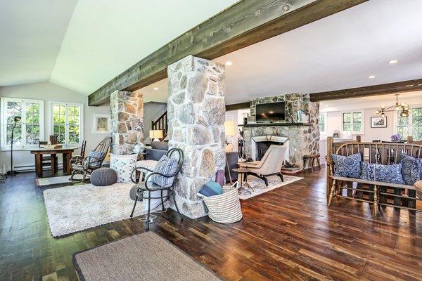 Best 35 Modern Living Room Dark Hardwood Floors Bench Design ...