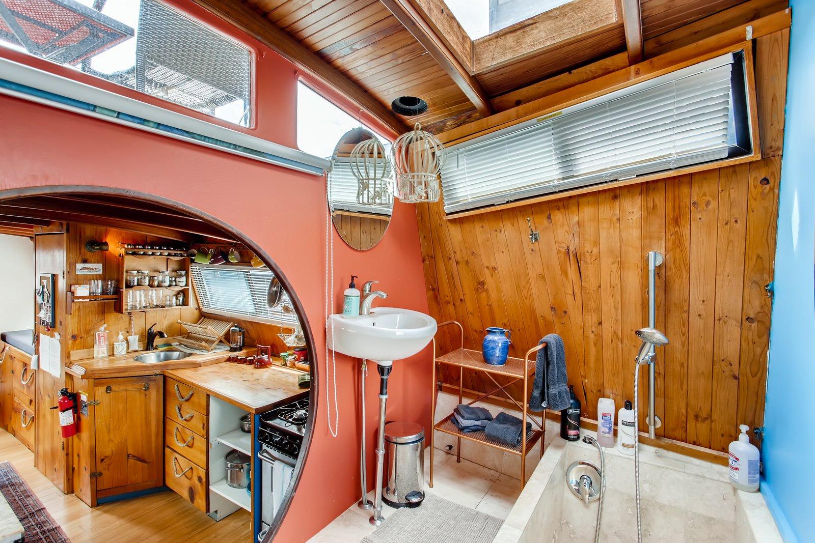 Turnip houseboat Seattle bathroom