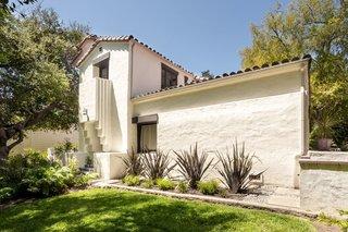 Lloyd Wright's Calori House in Southern California Wants $1.7M