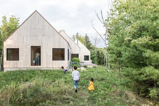 This Minimalist Home in Maine Channels the Spirit of a Scandinavian Cottage
