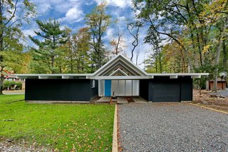 One of Three East Coast Eichlers in Existence Just Hit The Market for $575K